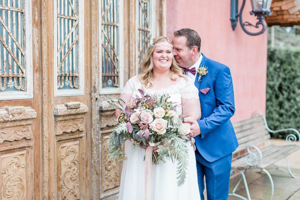 Bride and groom wedding photoshoot